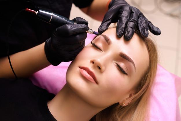 stylizacja brwi - serum przyspieszające wzrost