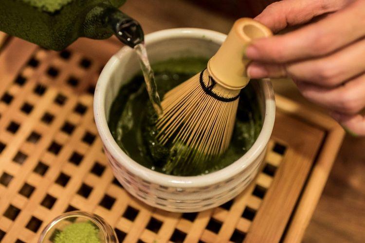 jak przygotować herbatę matcha