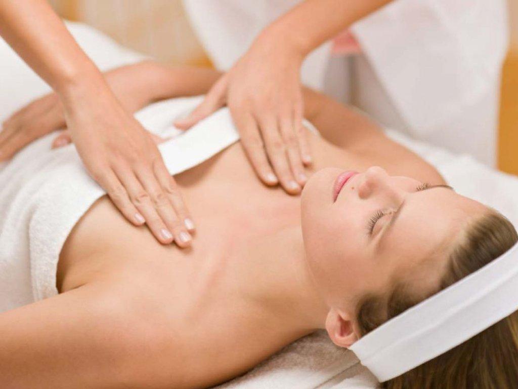 masaż biustu